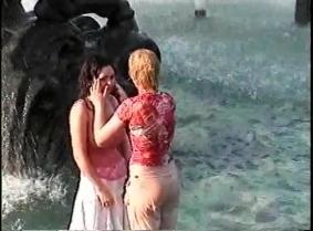 Russian Fountains Girls - dd01k