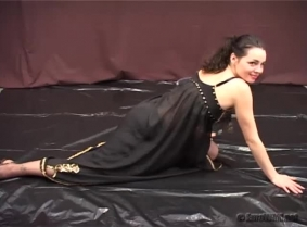 Andrea is wearing today a Turkish style dancer black outfit... I mean it was black in the beginning because later on it all become red with the generous help of the gunge. And because after a while the dress bothered her in her way to get fully messed up,