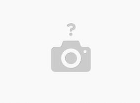 In the new update Caroline meets the sea water again... This time dressed with a light blue summer skirt and black top... with pantyhose and heels of course. She is playing around on a public beach near the Mediterranean sea.