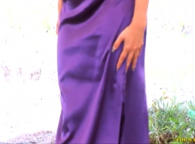 This dress is one of Simonne's favorite dresses. So you can imagine that she was not very happy to ruin it. However, it was a pleasure for us to see the dress and Simonne's body completely covered with thick mud.  NOTE: This update contains a clip, en