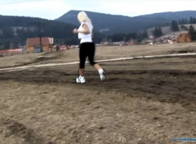 Judith had her usual jog when she had to cross some muddy fields, and the result of that was that she got her running shoes all messy. As we could expect, she found the nearest water source where she then tried to clean the shoes. Judith thought that she