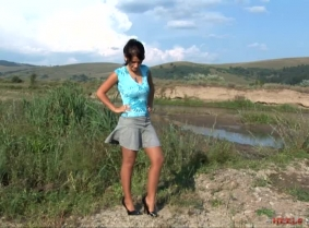 As we know, Eva is always in the mood to walk through some mud. And we're always in the mood to watch her mess her 5 inch pumps and tan lycra pantyhose. As for every other clip on this site, we included the wash off in the end.