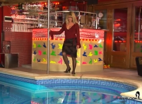 Laura is always properly dressed for a dip in the pool. Enjoy this new update with her.