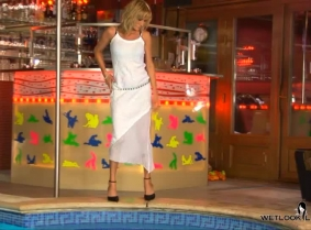 We have something for the seethru lovers... Alexa is wearing a sexy summer dress which looks really nice in the pool.