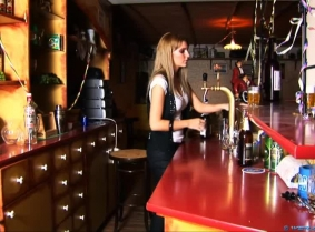 Vivien is working part time in a pub, despite the fact that she graduated and already has a good paying day job; she still likes the atmosphere from the pub and every so often she works as a bartender. One day, the owner of the pub organized a t-shirt par