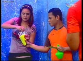 Banana Split water game (Philippines 2005)