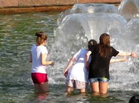Fountains SGHD034-2