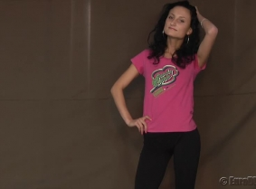 Madalina have a new pool dunk session for her fans. This is a special request on custom-videos.com, every time she is dunked she holds her nose. Her leggings and tight t-shirt look great when wet, every time she step out from the pool. Enjoy the view ;)