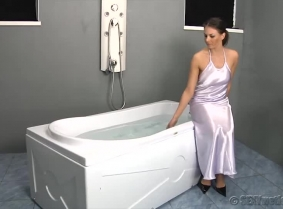 Maya looks like she is ready for a romantic evening in her bedroom, but instead she came around play in the water for us. Fist she plays in the bath tub and then she move over to the pool and she swim and dive in the pool. Hopefully many of Maya's fans w